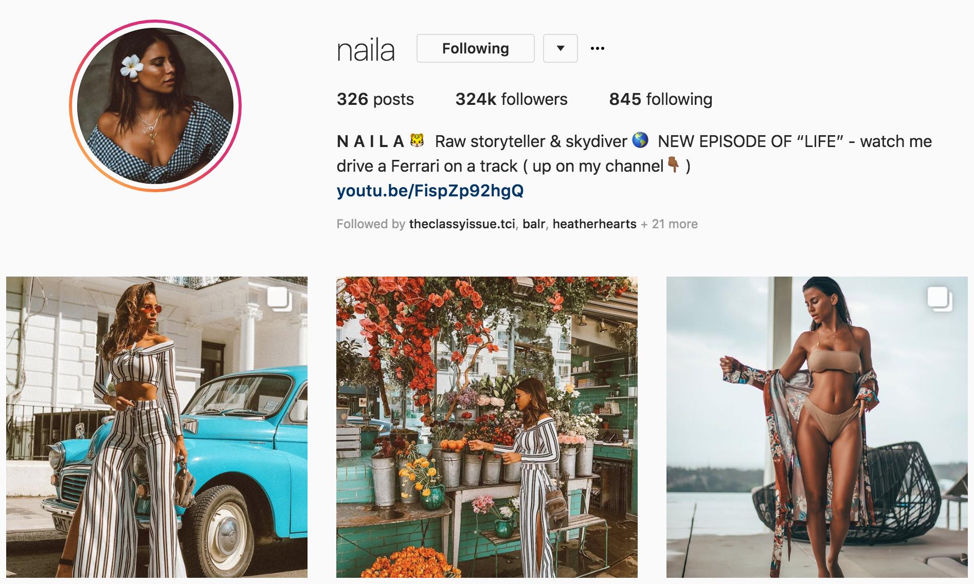 #WeFollow – @Naila